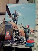 MILITARI CARABINIERI SERVIZIO AEREO RIPARAZIONI  ELICOTTERO   N1975  FC6985 - Polizia – Gendarmeria