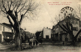 VALREAS - La Tour De Ville - Montée Du Bertheuil Au St Antoine - Valreas