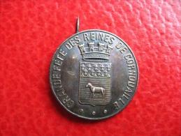 Médaille Grande Fête Des Reines De Cornouailles - 26mm 2,18g - Professionals/Firms