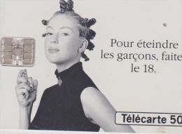 (R) Télécarte , Oui -non De Kookai , Extrait De Concentré D'essence De Fille , 1994, 50 Unités - Parfum
