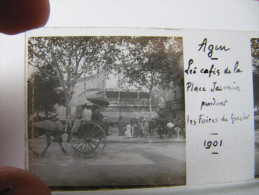 C1   AGEN PHOTO PLAQUE DE VERRE Agen BISTROT CAFES DE LA PLACE JASMIN 1901 PENDANT LA FOIRE DU GRAVIERS ATTELAGE... - Agen