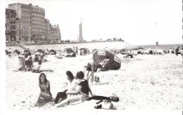 Oostende (Ostende)-Het Kleine Strand En Buildings-La Petite Plage Et Buildings-Uitgave :  MESS Driekroezen, Brugge - Oostende