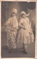 Fotokaart Carte Photo  Hollogne Aux Pierres Photographie Arthur Paul (Les Soeurs Marietty ) Klederdracht - Grâce-Hollogne