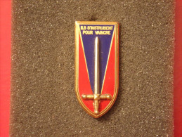 """Insignes Militaire """"Ecole Militaire De Saint CYR"""" -  Military Badges P.V. - - Armée De Terre"""