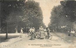 Cpa 17 Chatelaillon, Leçon De Bicyclette Boulevard De La République, écrite 1915 - Châtelaillon-Plage