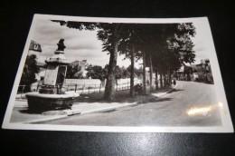 CPA 03 GANNAT. Avenue Jean Jaurès. - France