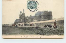 DIEPPE - Le Casino, Vu De La Grève, Gardien De Chèvres. - Dieppe