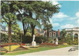 CPM De Rennes (Ille Et Vilaine) Ses Jardins Publics   Le Thabor Et Les Serres - Rennes