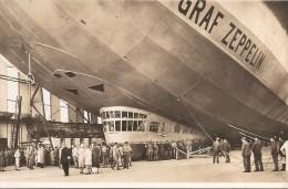 Dirigeable : Graf Zeppelin  Startbereit In Der Halle   Réf N° 431 - Dirigeables