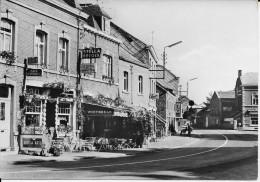 (D14 - 188-189 - )  Ouffet - Le Central Grand-Place - Ouffet