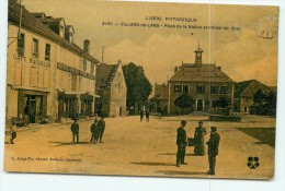 VILLARD De LANS - La PLACE Animéeet Colorisée - Hôtel De Ville , Café Magdelen , Hôtel De La Poste Imbert -  2 Scans - Villard-de-Lans
