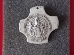 "Insignes Militaire ""P.M.I. - Pélerinage Militaire International"""" -  Military Badges P.V. - - Marine"