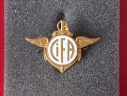 "Insignes Militaire ""Centre Interarmée De Formation - C.I.F.A."" -  Military Badges P.V. - - Armée De Terre"
