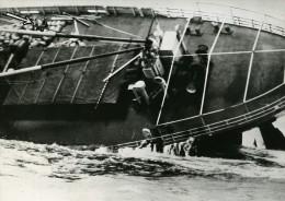 Desastre Naufrage Du Navire SS Flying Enterprise Capitaine Carlsen & Dancy Ancienne Photo 1952