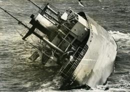 Desastre Naufrage Du Navire SS Flying Enterprise Capitaine Carlsen & Dancy Ancienne Photo 1952 - Boats