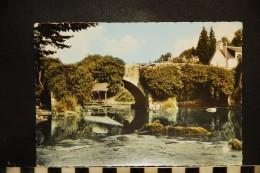 CP, 29, QUIMPERLE Le Pont Fleuri N°818 Edition CAP - Quimperlé