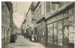 Saint Gaultier: Rue Grande, Devantures Massonneau Et Roudier, Imprimeur Cartes Postales Belle Animation - France