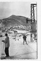 VILLARD De LANS - Vue Générale - Skieurs Sur Remonte Pente - Piste Des Bains - TBE - 2 Scans - Villard-de-Lans