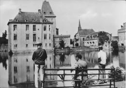 (D14 - 283 - )  Home De La Ste-Famille Ochain-Clavier Château Et Etang - Clavier