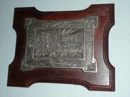 Rare Ancienne Plaque En Métal Argenté Embouti Sur Support/cadre Bois, Religion, La Cène, D´après Léonard De Vinci - Religion & Esotericism