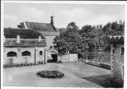 (D14 - 303 - )  Home De La Ste-Famille Ochain-Clavier Cour Intérieur Du Château - Clavier