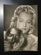 Altes SW-Foto Zum Aushang Im Kino-Schaukasten: Irene Von Meyendorff (Schauspielerin, 1916-2001) - Manifesti & Poster
