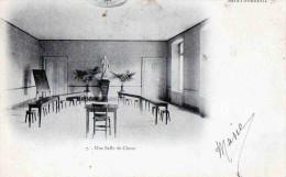 CPA  St Ferreol Une Salle De Classe - Saint Ferreol