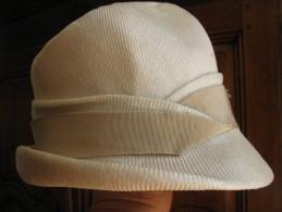 Chapeau en paille  fine et gros grain  beige  -   traces d �ge  Lire les conditions de vente et d exp�dition