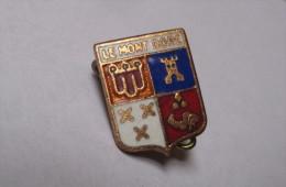 Badge / épinglette Blason Le Mont Doré (hauteur Du Blason: 1,5 Cm) - Bijoux & Horlogerie