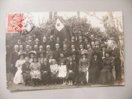 A338.  CPA .84. Carte Photo. AVIGNON. Groupe/famille à Identifier   Beau Plan Animé. Ecrite & Voyagée 1909 - Avignon