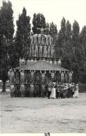 Photo De Pyramide Humaine Représentant Le Panthéon Paris (voir Vente Autre Sujet La Tour Eiffel  Et Notre Dame De Paris) - Unclassified