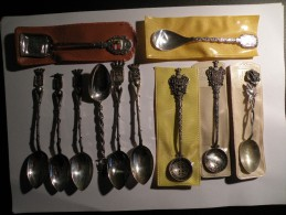 Lot De 11 Petites Cuillères De Collection (régions, Villes, Rose) - Prix En Baisse - Spoons