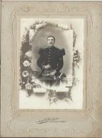 Photographie Sur Carton/Grand Format/Militaire En Buste/avec Dague/37éme /Grande Tenue/Nancy/Vers 1900-10      PHOTN55 - Non Classificati