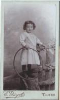 Photographie Sur Carton/Petit Format/Jeune Fille Au Cerceau/Guyot / Troyes /Vers 1895-1900   PHOTN60 - Non Classificati