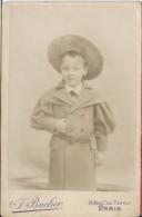 Photographie Sur Carton /Grand  Format/Jeune Garçon Avec Vareuse Et Grand Chapeau//Bucher/Paris/Vers  1910   PHOTN63 - Non Classificati