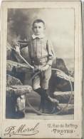 Photographie Montée Sur Carton/Jeune Garçon Avec Cerceau/Morel /Troyes/ Vers 1900 - 1910   PHOTN71 - Non Classificati