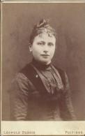 Photographie Montée Sur Carton /Grand Format//Buste De Jeune Femme Avec Chignon /Dubois /Poitiers/Vers 1900   PHOTN78 - Non Classificati