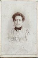 Photographie Montée Sur Carton /Grand Format//Jeune Femme En Buste/Gattefossé/Ste Savine/Vers 1900 PHOTN82 - Non Classificati