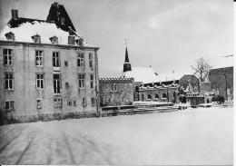 (D14 - 292 - ) Home De La Ste Famille Ochain-Clavier Etang Et Château Sous La Neige - Clavier