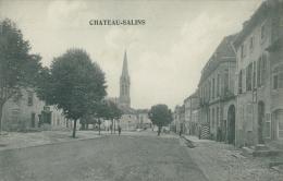 57 CHATEAU SALINS / Une Rue Et L'Eglise / - Chateau Salins