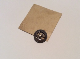 Spilla Votiva Anno Giubilare 1950 Su Cartoncino Del 1950 - Badges