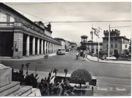 Toscana-arezzo-montevarchi Piazza Vittorio Veneto Veduta Animata Anni 50 - Italia