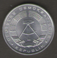 GERMANIA 10 PFENNIG 1988 - [ 6] 1949-1990 : RDA - Rep. Dem. Tedesca