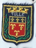 Ecusson Tissu / Armoiries/ Villes De France/TULLE/ Années 70    ET72 - Dépliants Touristiques