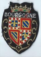 Ecusson Tissu / Armoiries/ Villes De France/BOURGOGNE/ Années 70    ET73 - Dépliants Touristiques
