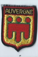 Ecusson Tissu / Armoiries/ Villes De France/AUVERGNE/ Années 70    ET75 - Dépliants Touristiques