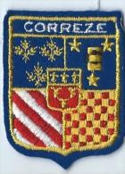 Ecusson Tissu / Armoiries/ Villes De France/CORREZE/ Années 70    ET77 - Reiseprospekte