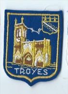 Ecusson Tissu / Armoiries/ Villes De France/TROYES/ Années 70    ET80 - Dépliants Touristiques