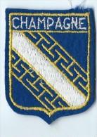 Ecusson Tissu / Armoiries/ Villes De France/CHAMPAGNE/ Années 70    ET82 - Dépliants Touristiques