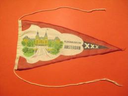 Drapeaux / Fanion Tissu/RIJKSMUSEUM AMSTERDAM/Années 60         DFA17 - Dépliants Touristiques